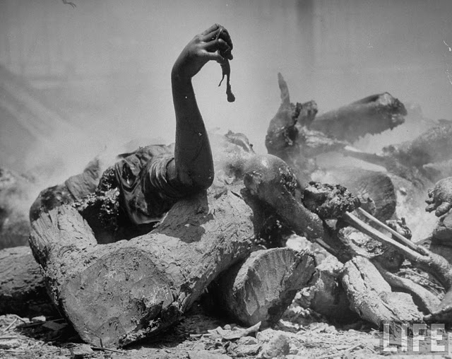 corpses-lying-among-pieces-of-wood-in-preparation-for-cremation-after-bloody-rioting-between-hindus-and-muslims-2-calcutta-kolkata-1946
