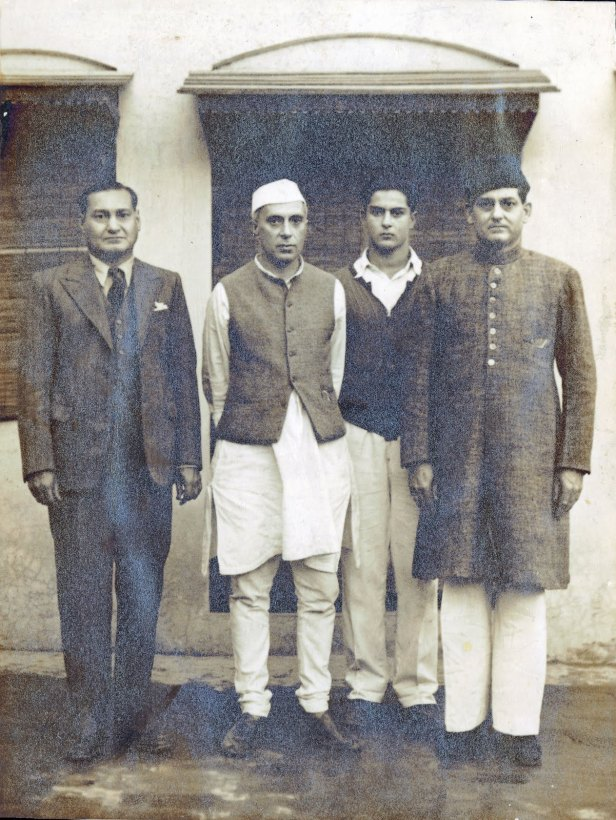 jawaharlal-nehru-1947