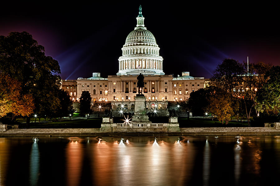 united-states-capitol-night-view